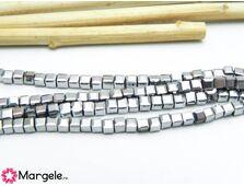 Cristal cub fatetat 2mm argintiu (10buc)
