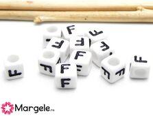 Margele acrilice litera f 6x6mm (10buc)