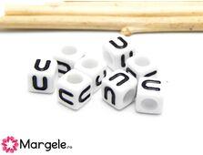 Margele acrilice litera u 6x6mm  (10buc)