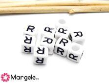 Margele acrilice litera r 6x6mm  (10buc)