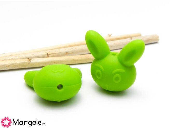 Margele de silicon iepure 25x19mm verde (1buc)