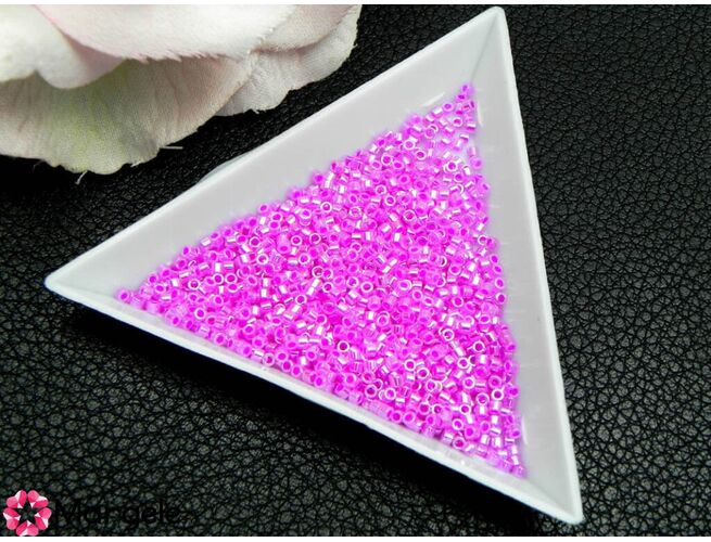Miyuki delica 11/0 lined crystal fuchsia (5g)