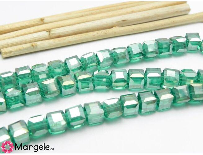 Cristal cub 6mm smarald ab (1buc)