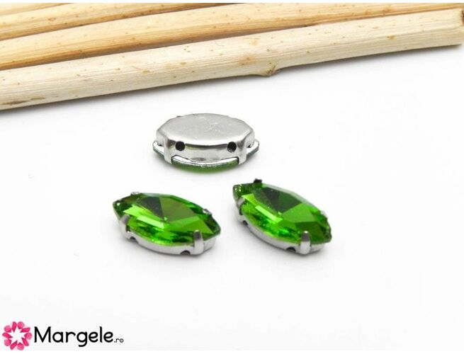 Distantier montee cu rhinestone de cristal 12x6mm verde (1buc)