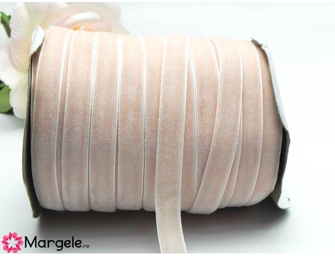 Panglica catifea 10mm roz (1m)