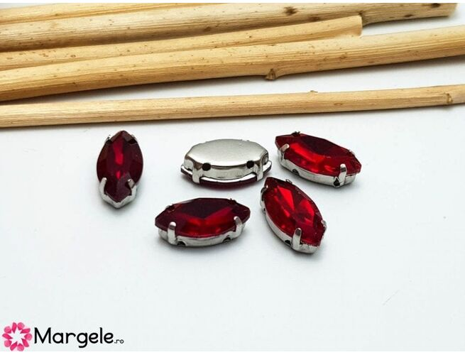 Distantier montee cu rhinestone de cristal 12x6mm rosu (1buc)