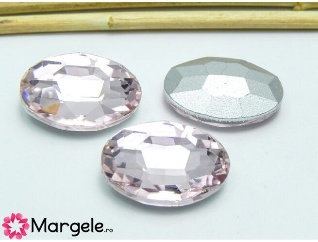 Cabochon din sticla oval 18x13mm light rose (1buc)