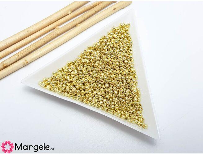 Toho rotunde 11/0 permanent finish galvanized yellow gold (5g)